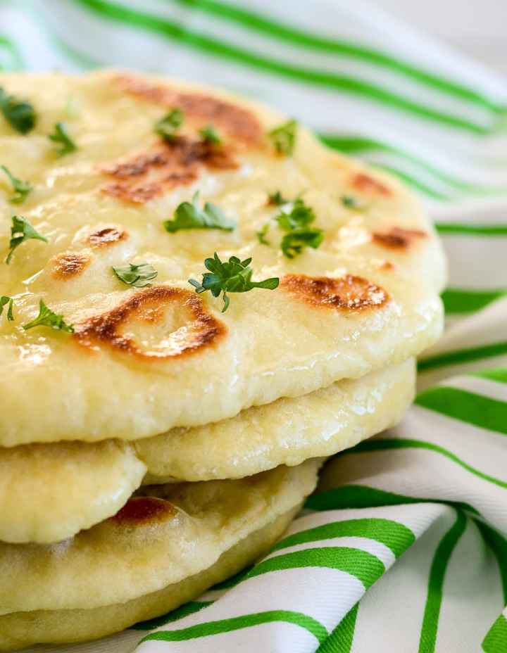 THE FLUFFY 2 INGREDIENT NAAN BREAD YOU'VE GOT TO TRY TOBELIEVE