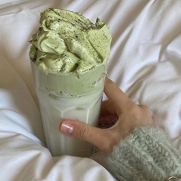DALGONA MATCHA IS THE NEW DALGONA COFFEE…AND I HAVE THE EASY 4-INGREDIENT, 4-STEP RECIPE YOU NEED TO MAKE IT ATHOME
